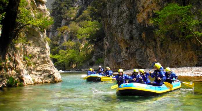 rafting in evinos