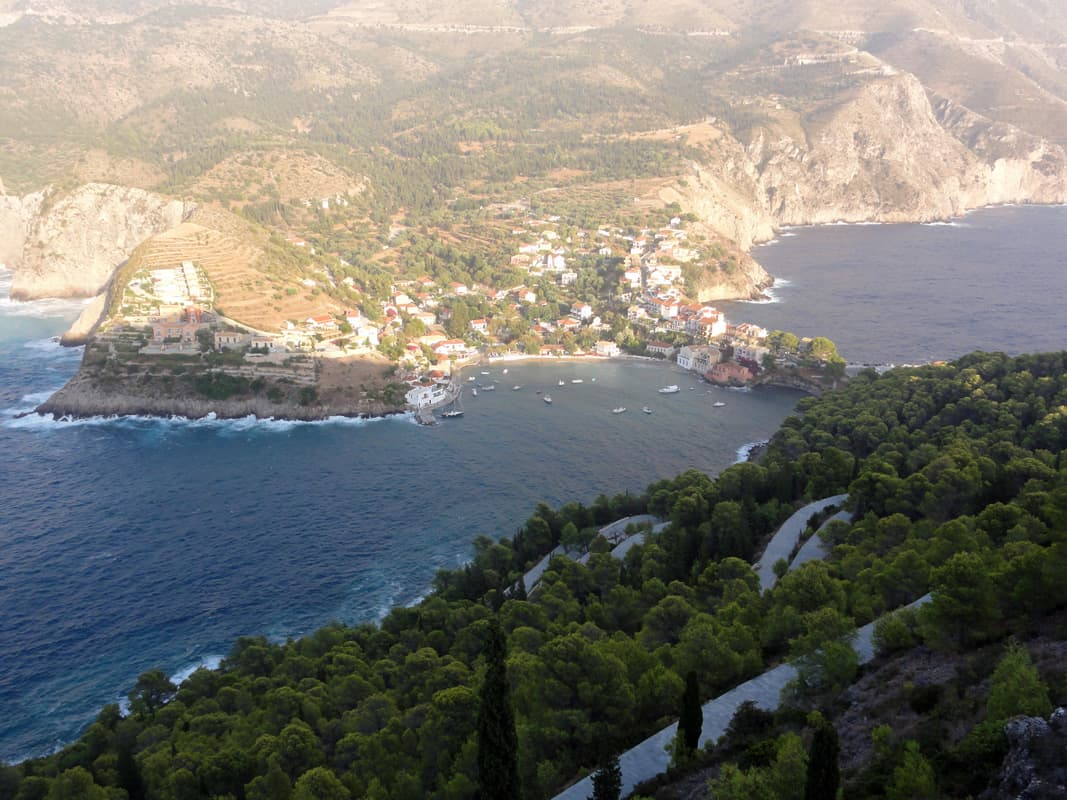 Best Waterfront Resorts In Greek Islands For Couples