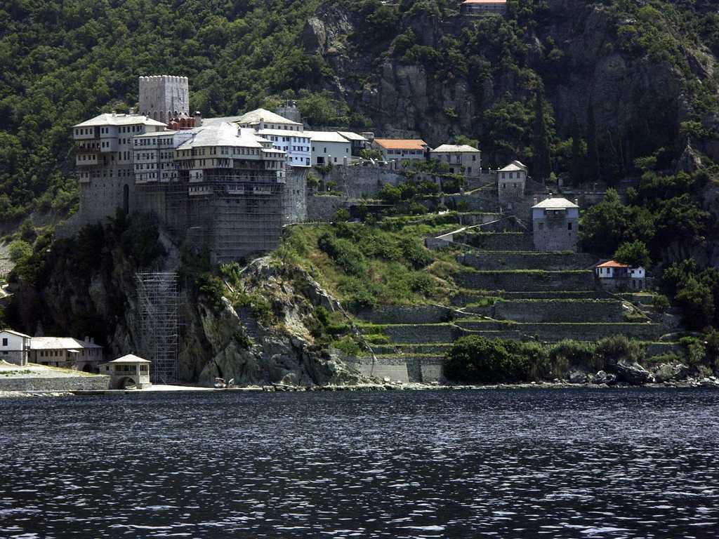 Mount Athos Greece, *Subject: Mountain Athos, monastery *Photographer: Witold Rawicz (PL) {{GFDL}}