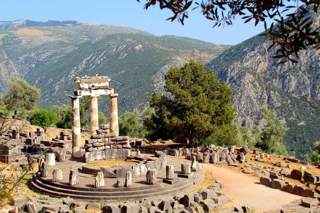 Things to do in Greece - Delphi Oracle