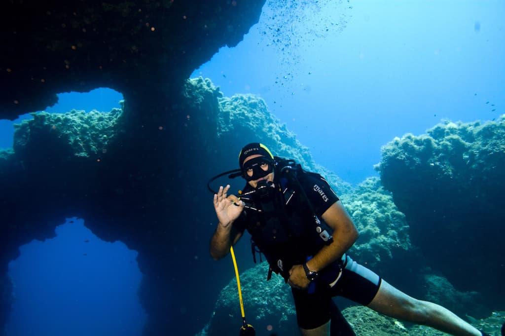 Magical blue amorgos greece scuba diving agreekadventure world travel blog - Dive in travel ...