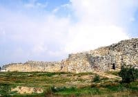 """Tiryns - Cyclopean masonry"" by Nick Stenning - originally posted to Flickr as Tiryns. Licensed under CC BY-SA 2.0 via Wikimedia Commons - http://commons.wikimedia.org/wiki/File:Tiryns_-_Cyclopean_masonry.jpg#/media/File:Tiryns_-_Cyclopean_masonry.jpg"