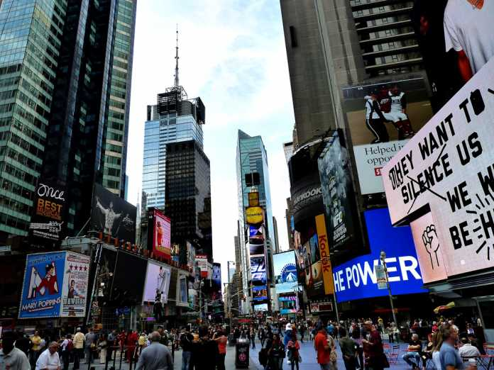 The things to do in new york city in 2 days a greek for Things to in times square