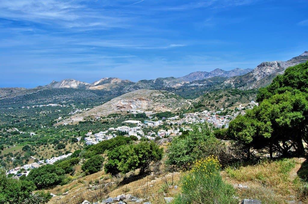 Hiking through Naxos