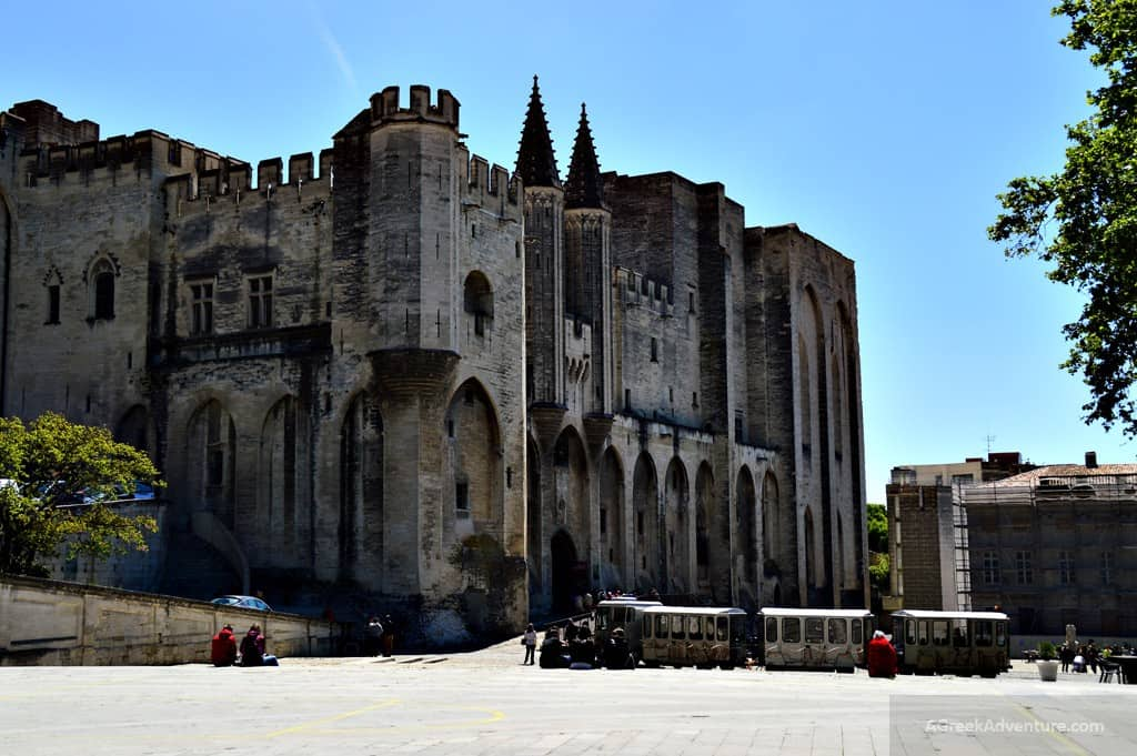 Things To Do in Avignon France Pappal City