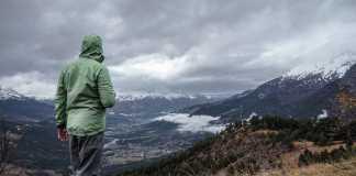 Hiking Gear Tips: Best Rain Jacket Insights