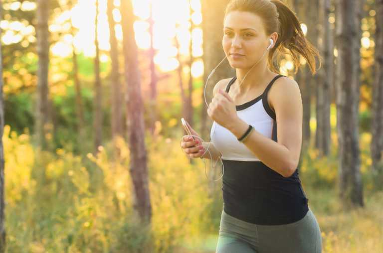 Key Ways On Staying Fit and Healthy When Traveling The World