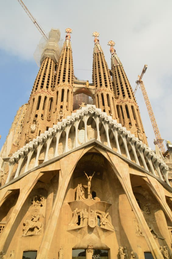 Catedral De La Sagrada Familia & City of Barcelona