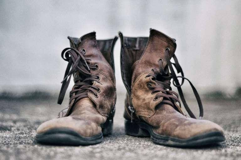 3 Most Common Shoe Issues That Can Lead to Back Pain While Hiking
