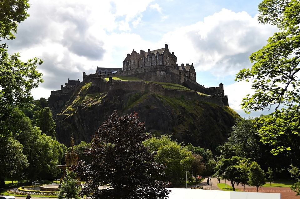 Spend a day in Edinburgh Castle