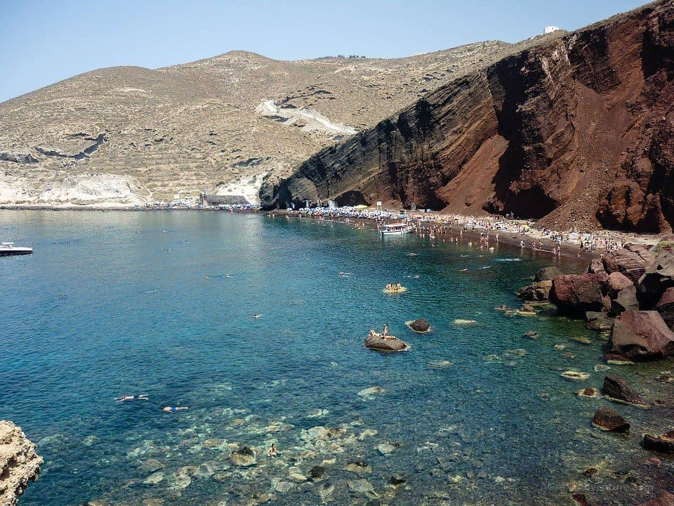 Honeymoon in Greece - Best Santorini Beaches Increasingly Gaining Popularity