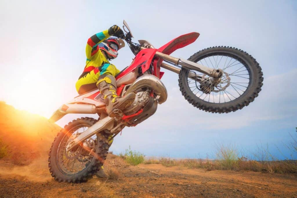 5 Best Tips On How to Ride a Dirt Bike Like a Pro