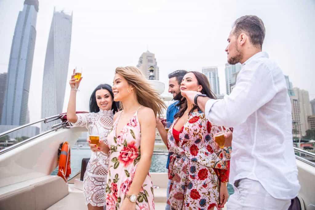 Best Tips Solo Female Travel in Dubai 2020
