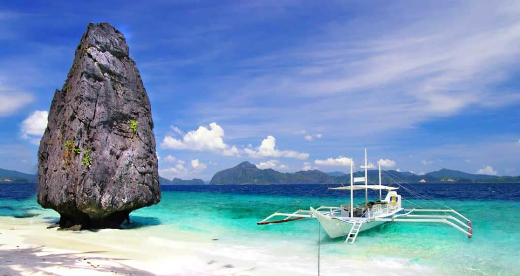 Palawan island El Nido Best Islands in the Philippines