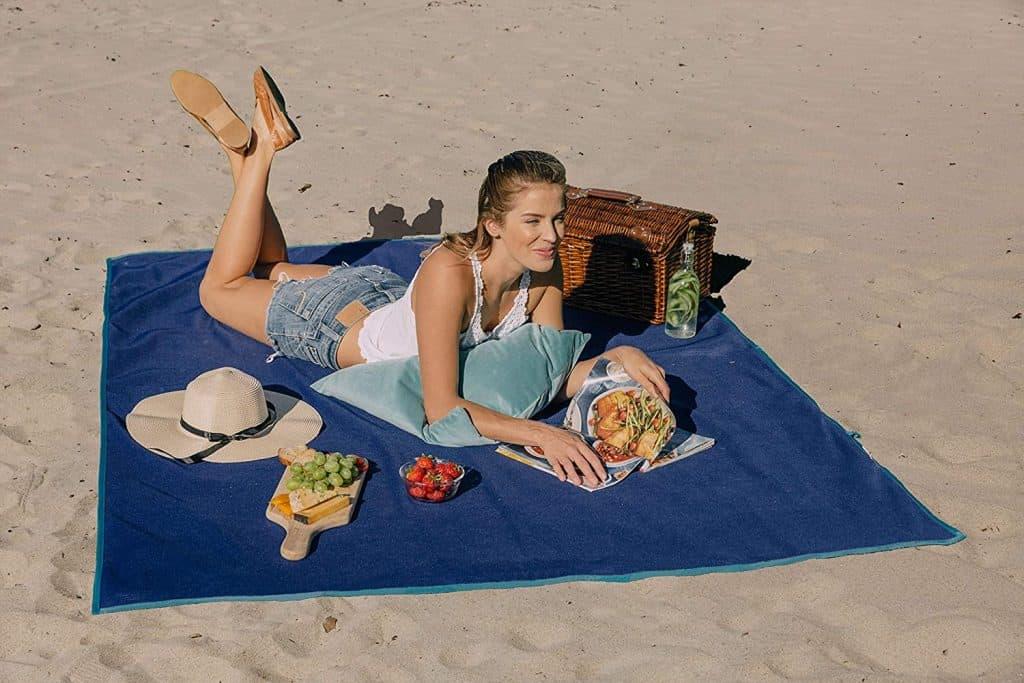 cool travel gadgets C-Gear Original Sand-Free Mat