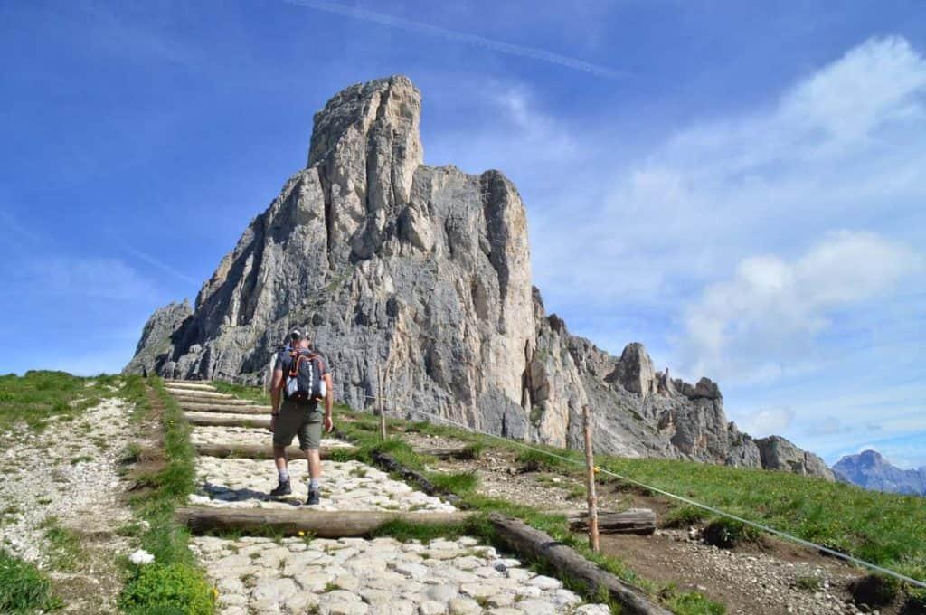 Cinque Torri Route Entrance